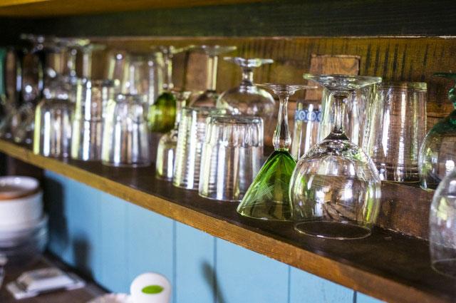 お店に並んだグラス