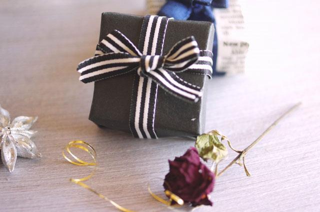 シックなプレゼントボックス