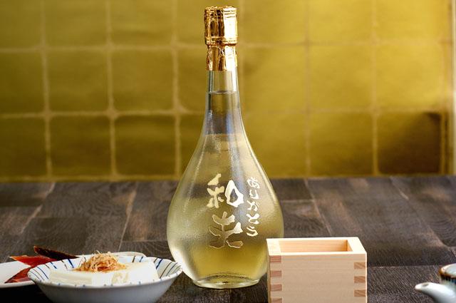 ボトル彫刻されたゴールド賀茂鶴大吟醸