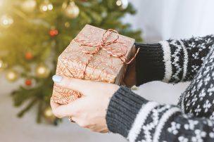 【予算3000円】男性・女性へ気軽に贈れる名入れクリスマスプレゼント