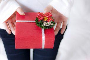 シーン別で分かるクリスマスプレゼントの正しい渡し方