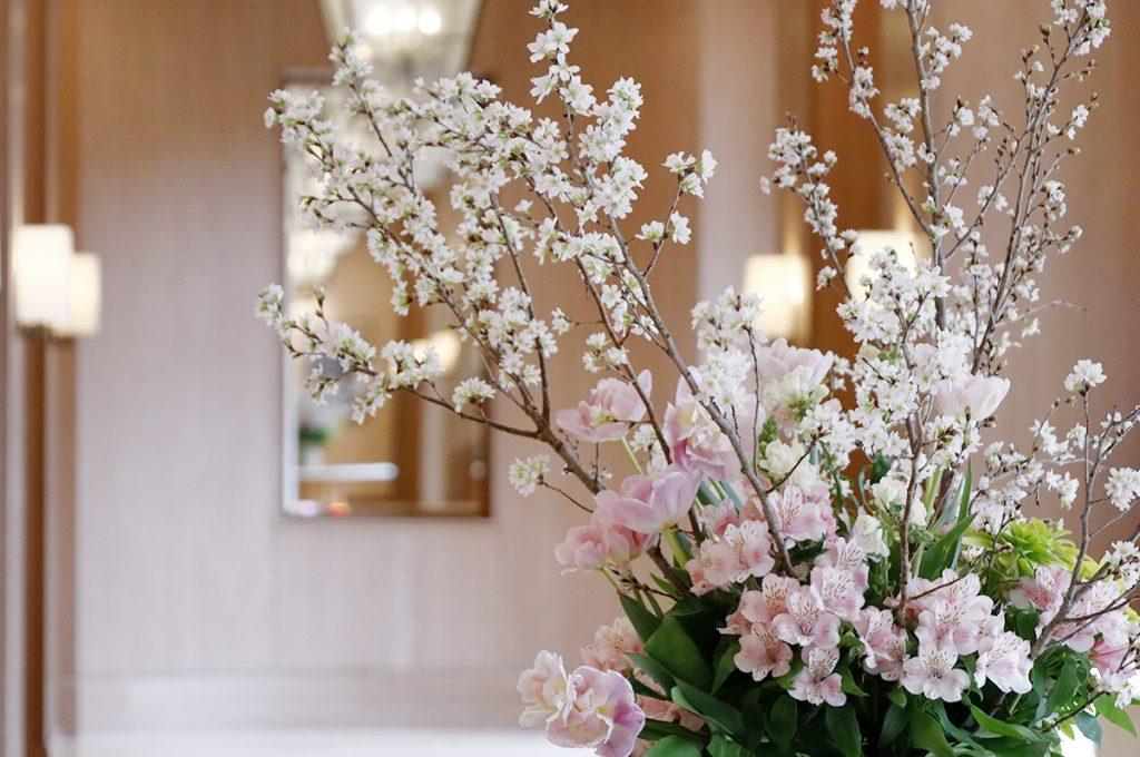 本物の桜の枝を飾る