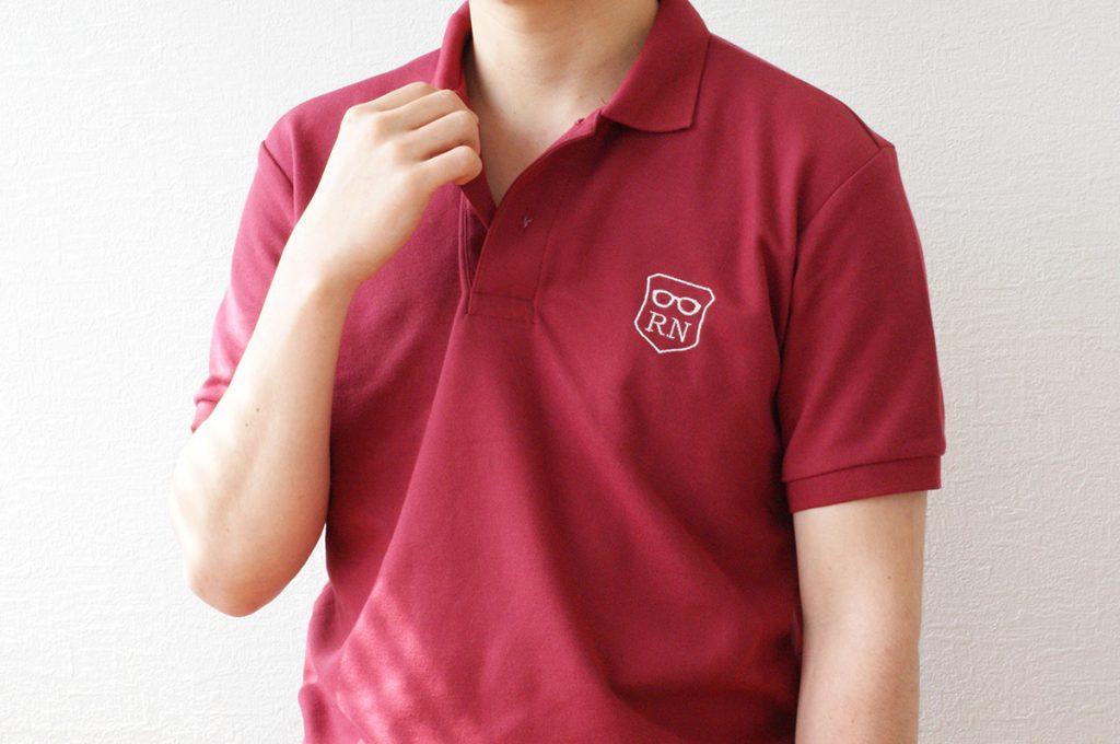 ネームロゴ&ワンポイント刺繍入りポロシャツ